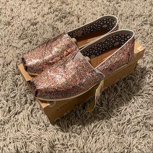 NWT Toms Bright Multi Glitter Classics Size 7.5